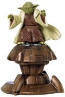 Hasbro Star Wars Yoda Jedi Master Attack Of The Clones Action Figure (Brown)