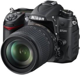 Nikon D7000 SLR with AF-S 18-105mm VR Kit Lens