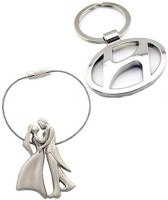 Confident Standing Loving Couples And Hundai Car Logo Keychain (Silver)