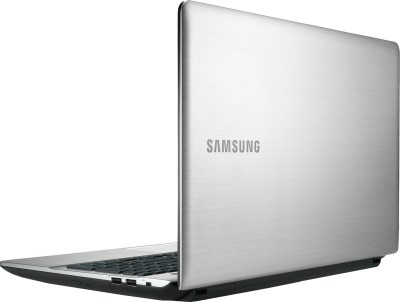 Samsung NP300E5E-A04IN Laptop (2nd Gen PDC/ 2GB/ 500GB/ Win8) (15.6 inch, SLeek SIlver, 2.2 kg)