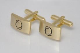 Big Five Deals Brass Cufflink Black, Gold