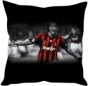 StyBuzz Ronaldinho Cushions Cover - Pack Of 1 - CPCDXENJPRVDRZM8