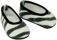 Sophia's 18 Inch Doll Shoes. Slip On Zebra Print Shoes Fits 18 Inch American Girl Dolls & More! Doll Accessories Of Zebra Print Doll Shoes (Multicolor)