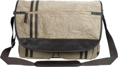 Buy Baggit Pioneer Parinacrush 17 inch Laptop Messenger Bags: Laptop Bag