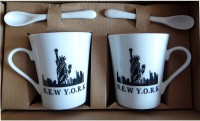 Satyam Kraft Couple S - NEW YORK City Mugs With Ceramic Spoon And Box Packing - Version 1 Ceramic Mug (340 Ml, Pack Of 2)