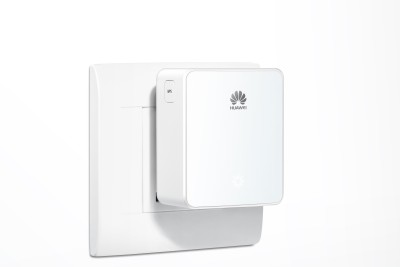 Huawei WS331c -300 Mbps Wireless Range Extender (White)