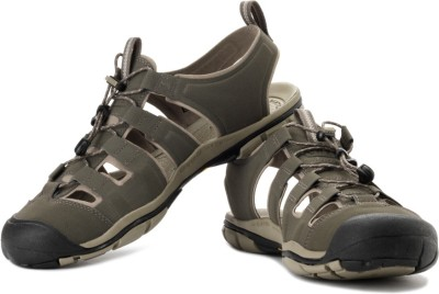 Keen KEEN Cascade Cnx Outdoors And Trail Leather Sandals (Green)