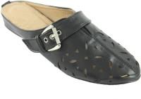 Heels & Handles Women's Cutwork Slipon Leather Flats