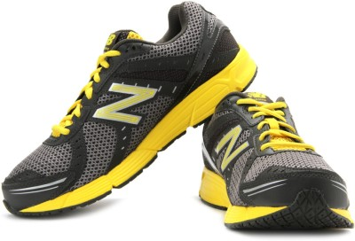New Balance Running Shoes for Men at Rs 4724 from Flipkart
