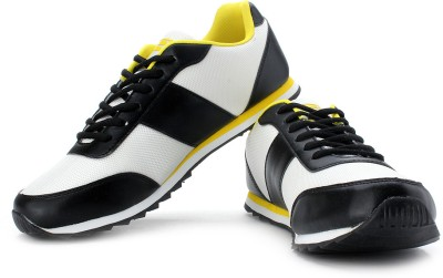 Extra 20% Off on Fila Darter Running Shoes from Flipkart