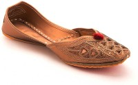 Ridhi Sidhi Women's Brown Colored Mojaris