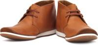 Clarks Newton Mass Boots: Shoe