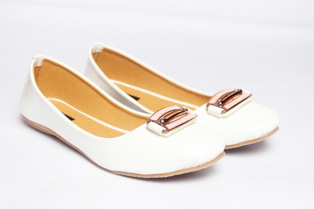 Mamta Footwear white Bellies