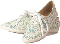 Vero Couture Printed Lace-Up Casual Shoes