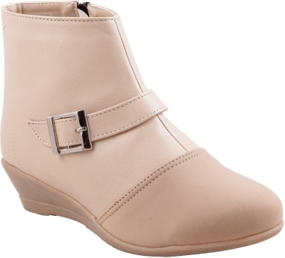 Adorn Active And Stylish Boots Shoe - SHOEEFYGGHCYDEG9