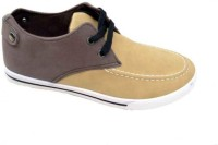 StyleToss Tan and Brown Chukka Boots: Shoe