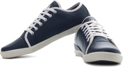 Extra 20% Off on Fila Lavadro Sneakers from Flipkart at just Rs 974