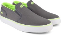 Nike TOKI SLIP TXT Canvas Slip On Green, Grey, White