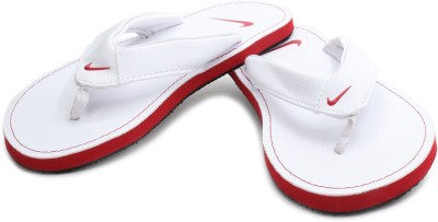 Nike Men White Chroma Thong II Flip Flops at Rs 999 on Flipkart
