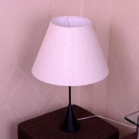 Craftter White Textured Metal Base Table Lamp (56 Cm, White)