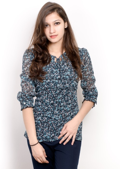 Pique Republic Casual Roll-up Sleeve Floral Print Women's Top